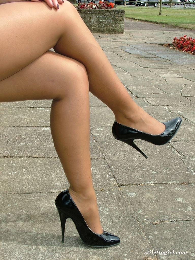 сразу пухлые ноги девушек фото для почетателей видео